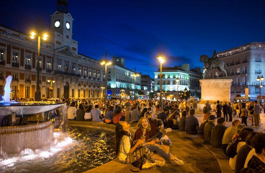 Anochecer en la Puerta del Sol