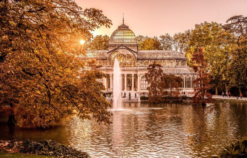 La revista Hola Viajes recomienda visitar Madrid 360º de Living Madrid, en estos tiempos de confinamiento.
