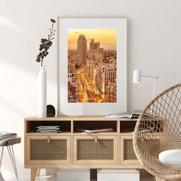 Decora tus espacios con las fotografías más bellas de Madrid, con una simple descarga